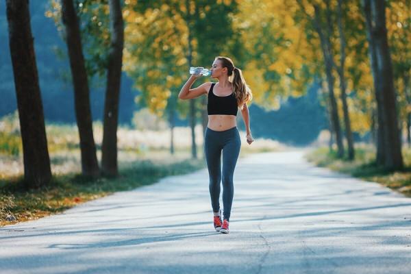 Giảm cân bằng phương pháp đi bộ