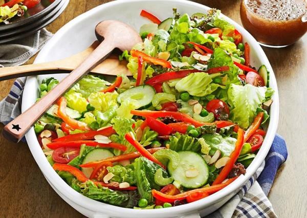 Giảm cân với salad dầu giấm vừa ngon vừa hiệu quả