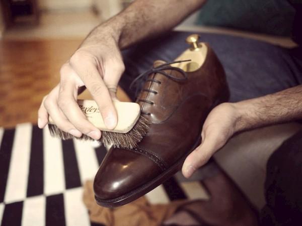 Giày da bị nhăn sau khi sử dụng lâu ngày
