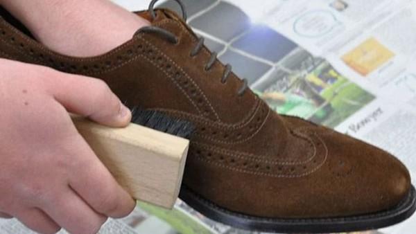 Giày da lộn không khó để bảo quản