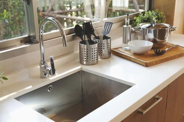 Hãy bỏ thói quen rửa thực phẩm trong bồn rửa bát