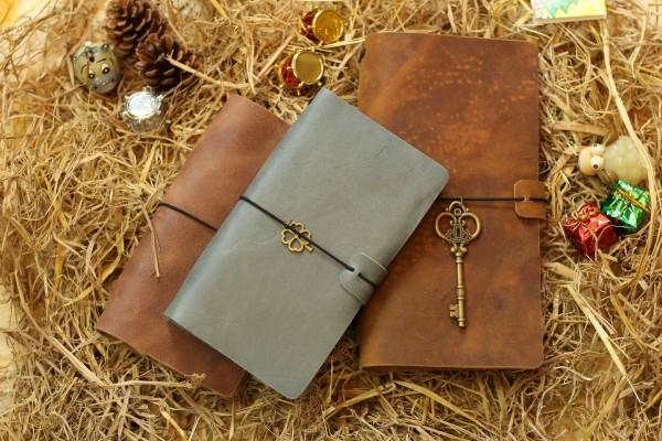 Hãy thử dùng sổ tay bằng da bò làm quà tặng