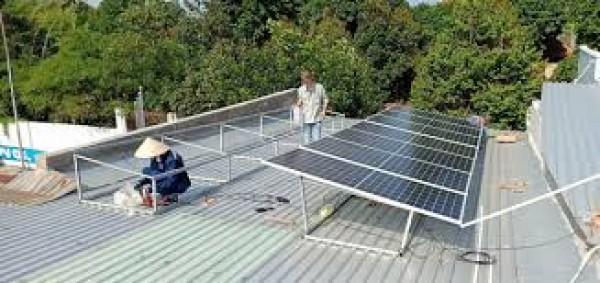 Hệ thống điện mặt trời áp mái của những hộ gia đình nông thôn