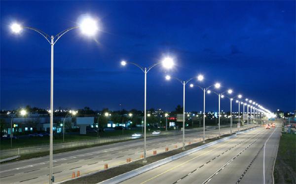 Hệ thống điều khiển đèn chiếu sáng công cộng để tiết kiệm điện