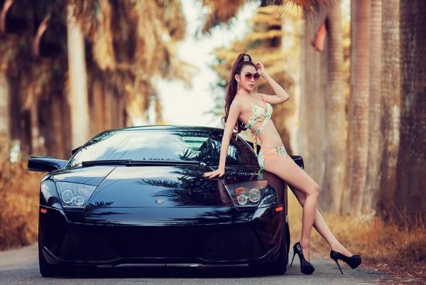 Hình ảnh gái xinh bên xe hơi quyến rũ và sexy nhất năm 2020