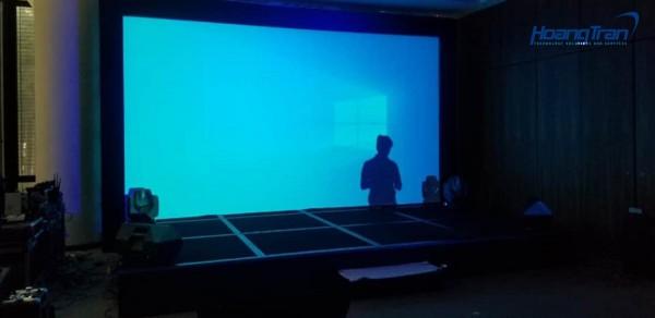 Hoàng Trần cho thuê máy chiếu cường độ sáng cao tại sự kiện nhãn hàng BOSCH
