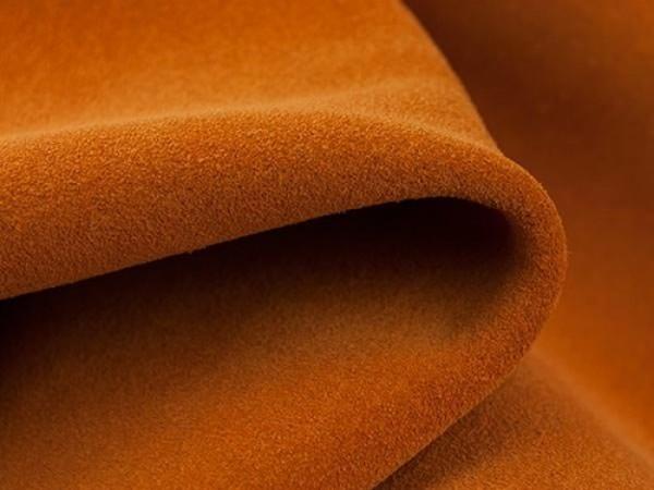 Hướng dẫn cách làm chất liệu da lộn bị bẩn hoặc bị mốc