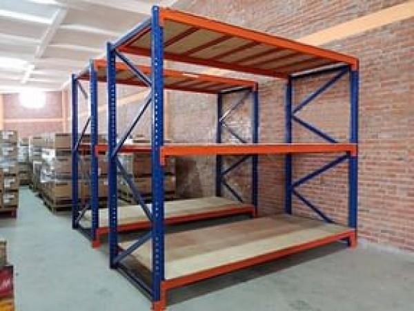 Kệ hạng nặng sàn gỗ 3 tầng