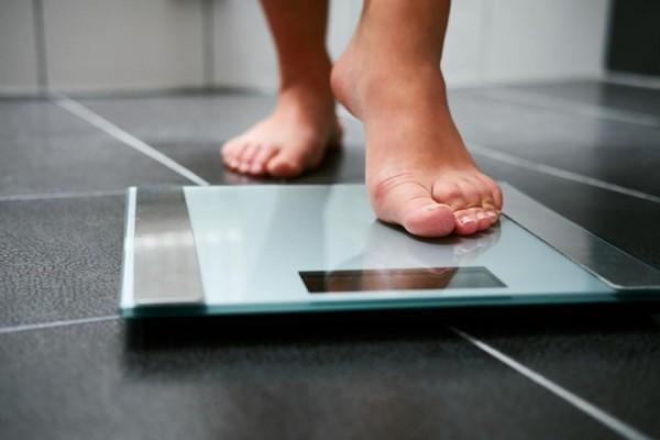 Kết hợp vận động và ăn uống giúp bạn duy trì chế độ giảm cân hợp lý