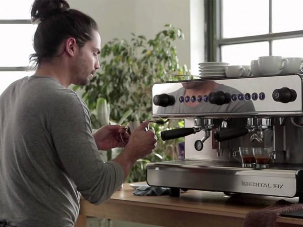 Khắc phục những lỗi thường gặp của máy pha cà phê