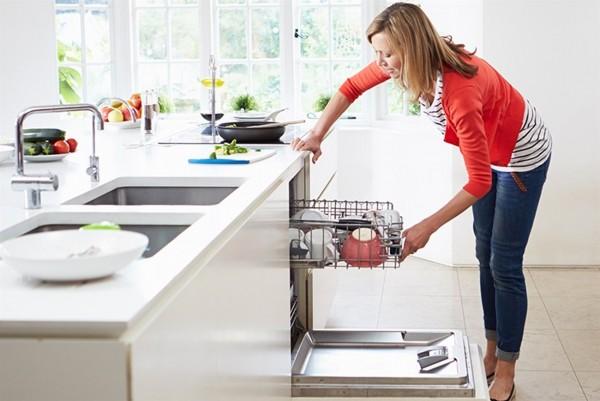 Khi nước cứng làm ảnh hưởng đến chiếc máy rửa bát trong nhà bếp