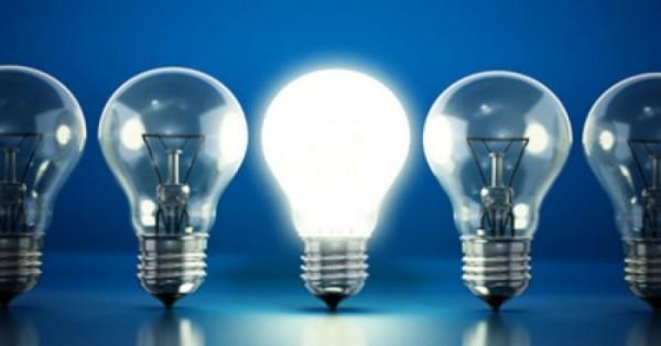 Không nên thay thế tất cả các bóng đèn bằng đèn compact