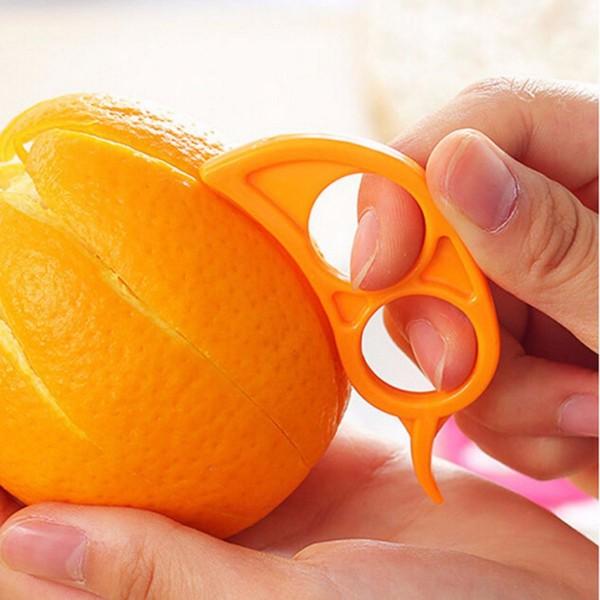 Khử mùi hôi nhà vệ sinh với cam