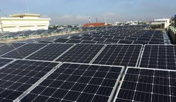 Khuyến khích tư nhân tham gia phát triển điện mặt trời áp mái