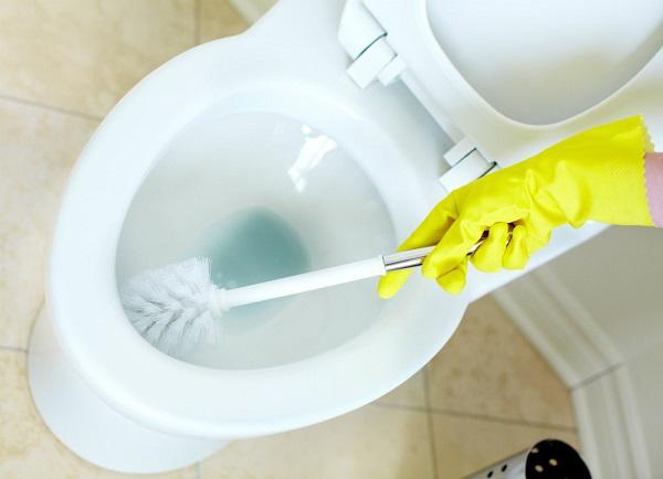 Làm sạch nhà vệ sinh nhanh chóng và hiệu quả