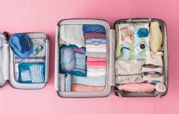 Làm sao để xếp quần áo cho thật gọn gàng khi đi du lịch
