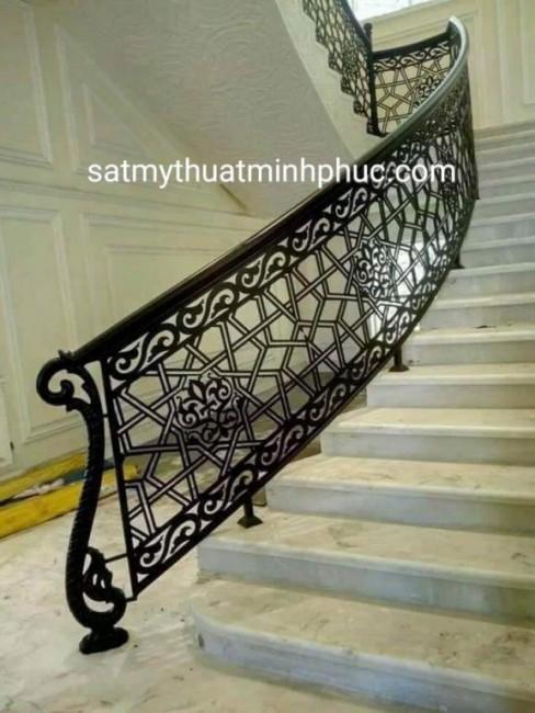 Lan can cầu thang sắt nghệ thuận đẳng cấp