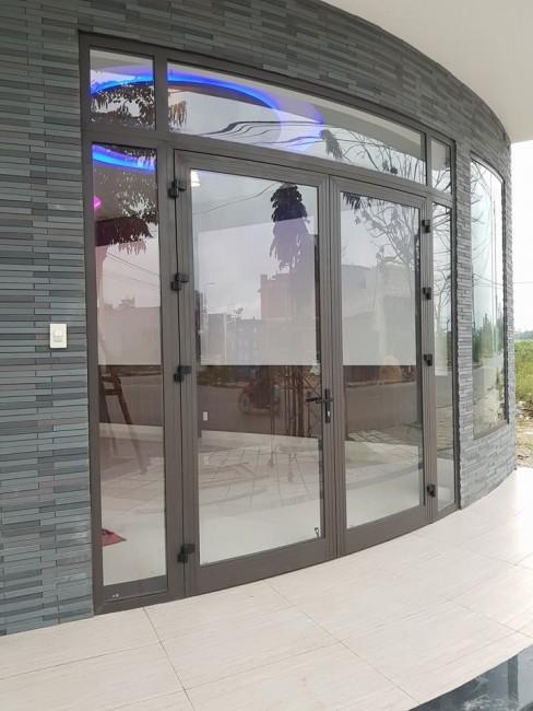 Lắp đặt cửa nhôm xinfa cho biệt thự - 0908.852.130