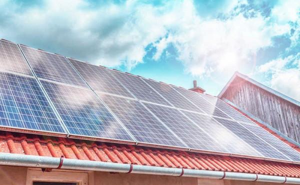 Lắp đặt hệ thống đo đếm lượng điện mặt trời phát ra