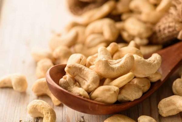 Lợi ích vàng với sức khỏe của tinh dầu hạt điều