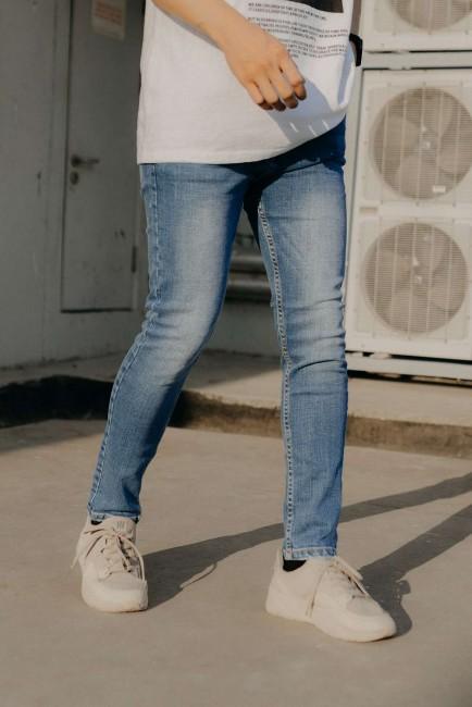 """Mách bạn xu hướng mix&match quần jeans - """" item ruột """" của hội con trai."""