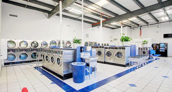 Mang quần áo đến tiệm giặt ủi khiến bạn phải đối mặt với những rủi ro
