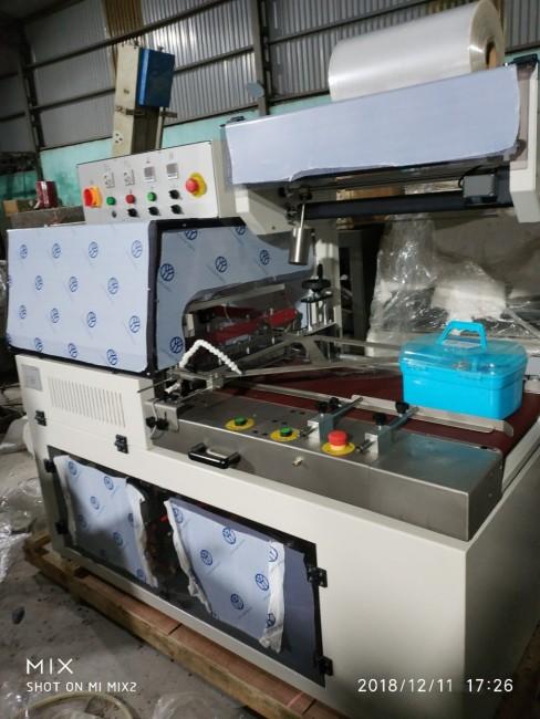 Máy cắt dán màng co khẩu trang tự động, máy đóng gói màng co POF tự động