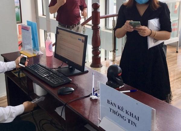 Máy quét mã QR phòng chống dịch tại các doanh nghiệp khai báo y tế, thông tin tiêm chủng