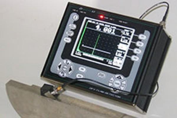 Máy siêu âm mối hàn model DFX615