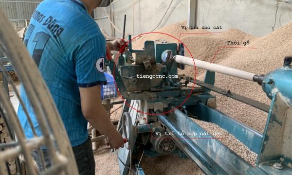 Máy tiện gỗ thủ công, tiện gỗ thủ công bằng tay.