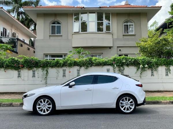 Mazda3 2.0L Hatchback Premium Signature model 2020 full option