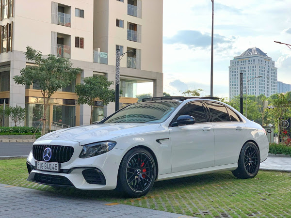 Mercedes E300 AMG model 2018 bản full option