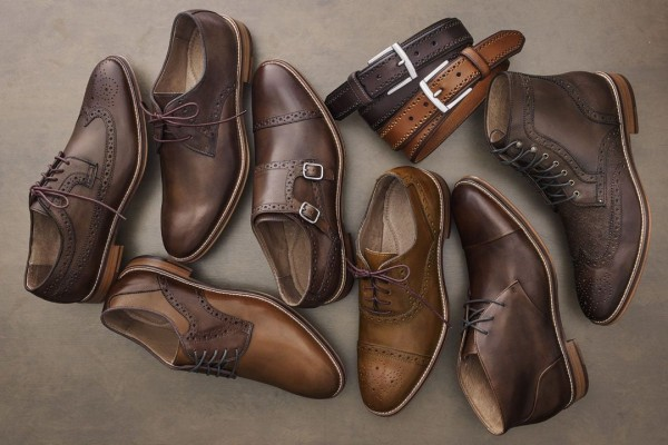 Một đôi giày da cần được bảo quản đúng cách