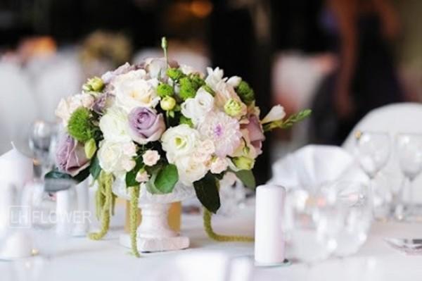 Một số phong cách cắm hoa hồng đám cưới mới lạ