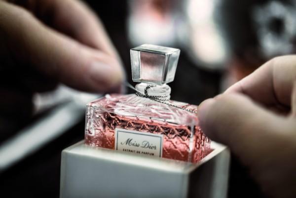 Mùi nước hoa cũng gây tác ngại không ngờ khi bạn dễ bị dị ứng