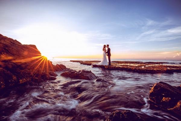 Nên chụp hình cưới ở phim trường hay ngoại cảnh?