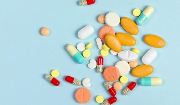 Nguyên nhân khiến việc uống thuốc trở nên khó khăn