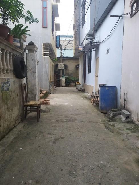 Nhà 2 tầng Cổ Bi, Gia Lâm, 2 mặt tiền trước sau, đường 4m giá 2.5 tỷ. Lh 0327916262.