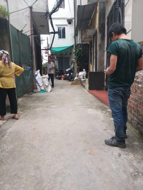 Nhà 2 tầng phường Long Biên, ô tô vào giá 1.75 tỷ. Lh 0327916262