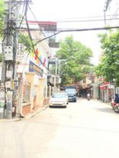 Nhà 3 tầng mặt đường kinh doanh Trâu Qùy, ngay cạnh trường học, bán nhanh 6 tỷ.
