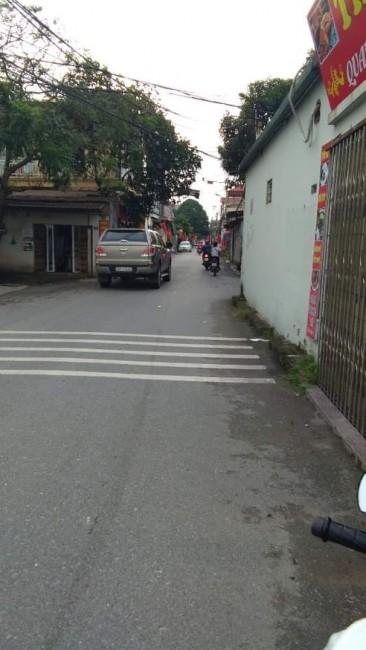 Nhà 4 tầng Long Biên, cách cầu Vĩnh Tuy giai đoạn 2 khoảng 20m.