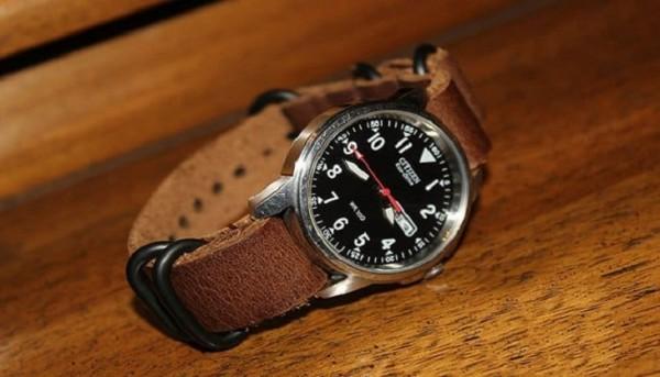 Nhận diên dây da đồng hồ thật