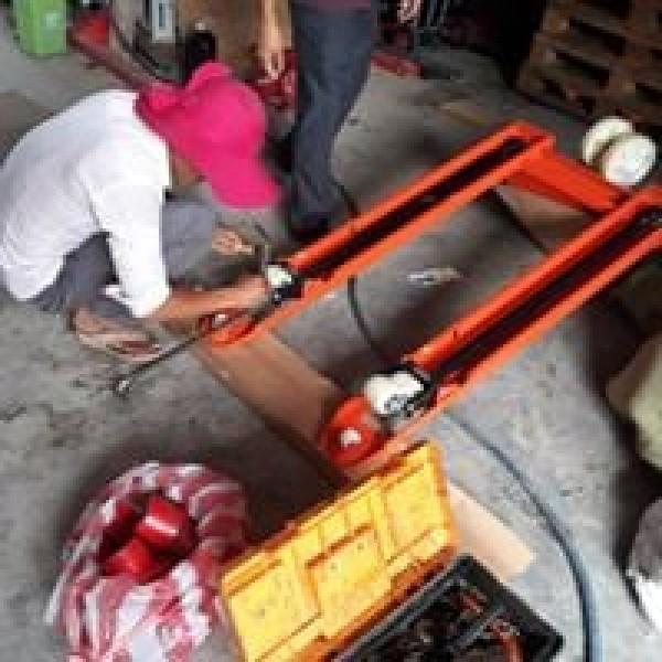 Nhận sửa chữa cung cấp phụ tùng xe nâng tay giá cực rẻ 0905681595