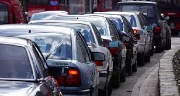 Nhiên liệu tiêu tốn khi tắc đường sẽ cao hơn từ 20 - 45%