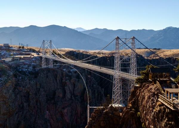 Những cây cầu treo mang đến ấn tượng đặc biệt cho du khách