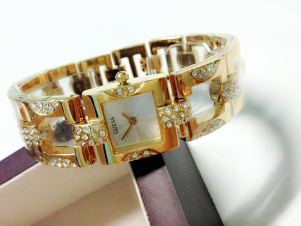 Những mẫu đồng hồ Guess nữ chính hãng dây kim loại đẹp và sang trọng giá dưới 10 triệu đồng 2021