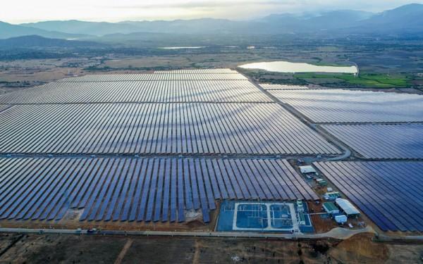 Những tiến bộ vượt bậc trong việc tạo ra pin mặt trời hiệu suất cao