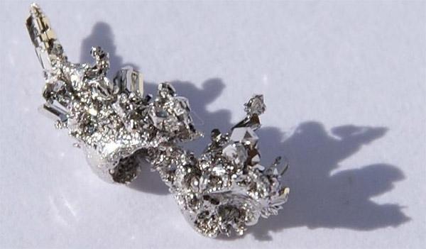 Palladium - kim loại hiếm nhân tạo