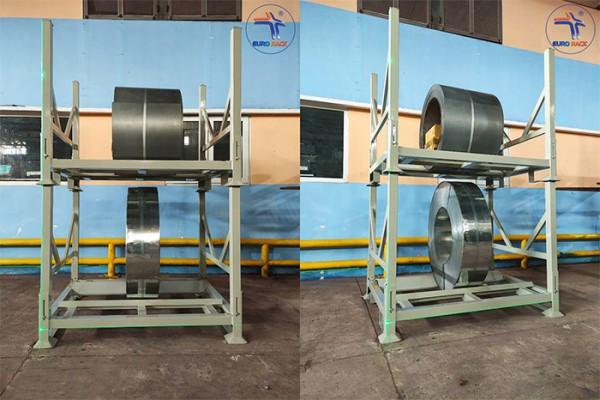 Pallet sắt là gì và ứng dụng của nó trong kho vận chuyển