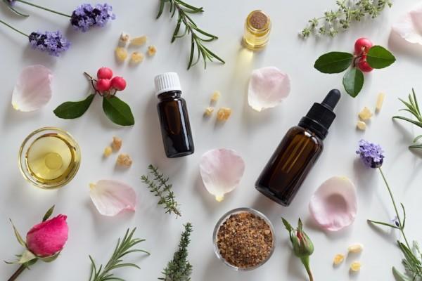 Phương pháp trị liệu bằng mùi hương tinh dầu
